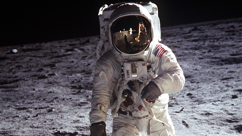 Миссия НАСА «Аполлон-11» могла привести к гибели жизни на Земле