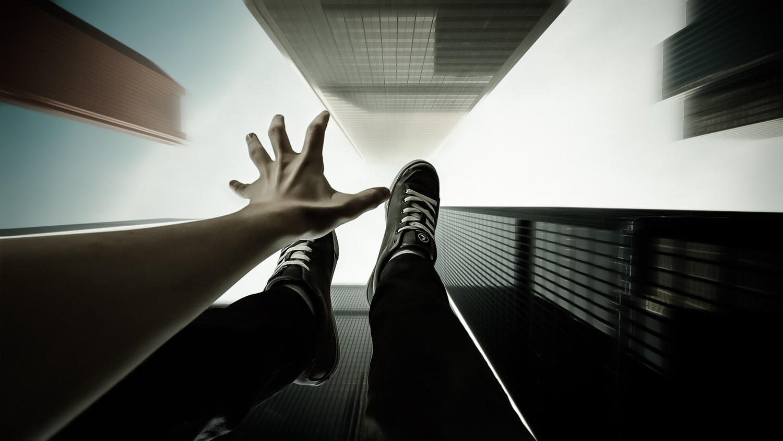 Ученые выявили связь тяги к суициду и причинению вреда другим