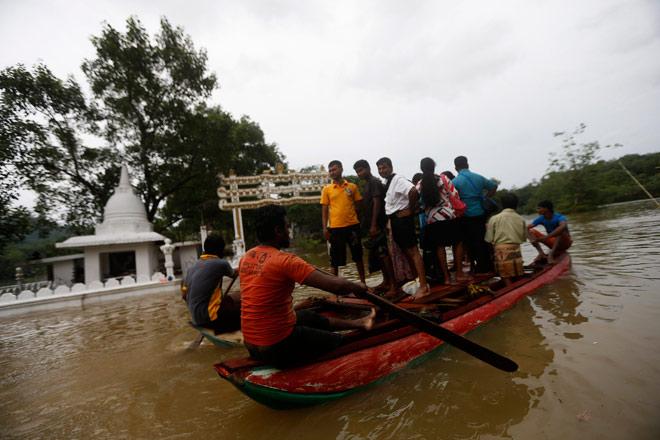 Из-за интенсивных муссонных дождей на Шри-Ланке погибли 22 человека