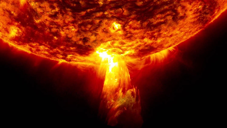 Ученых НАСА шокировали аномальные вспышки на Солнце
