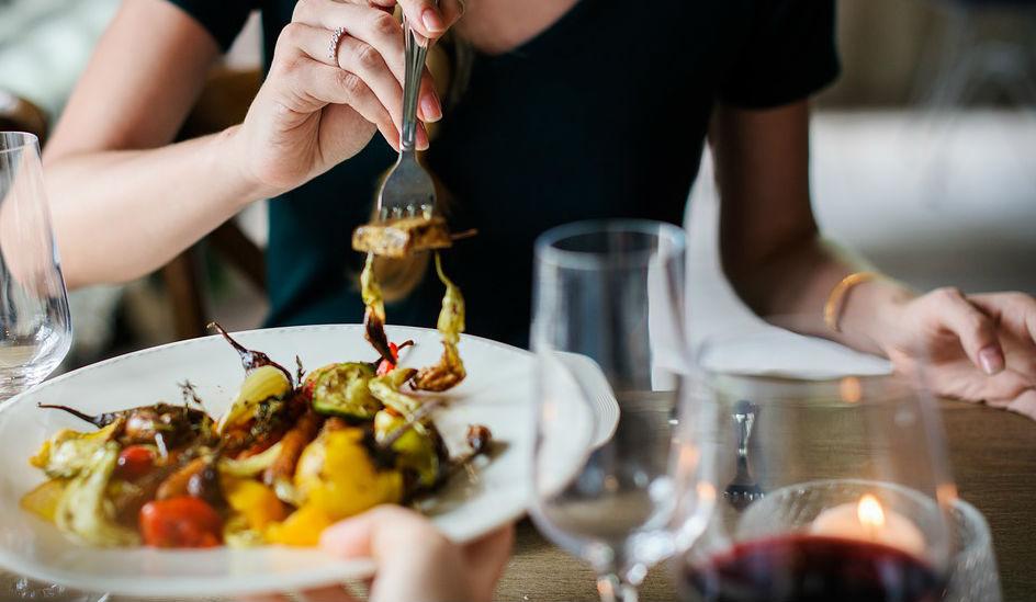 Что такое кейтеринг и с чем его едят?