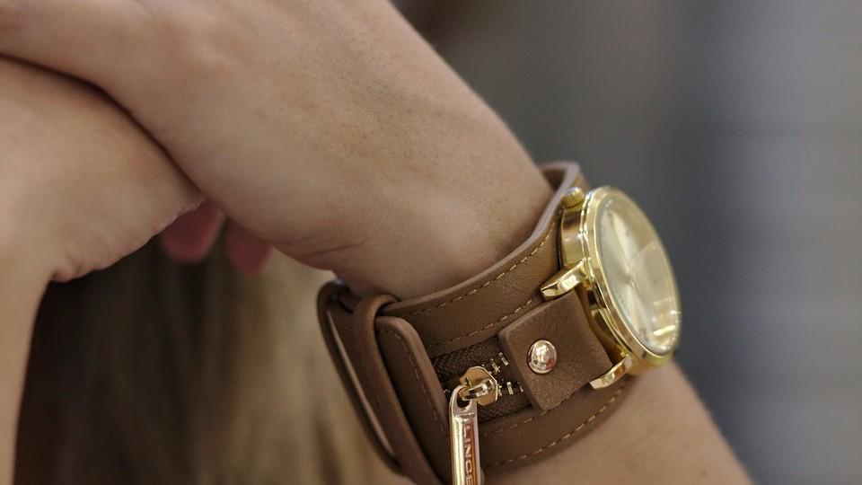 Где купить хорошие женские часы?