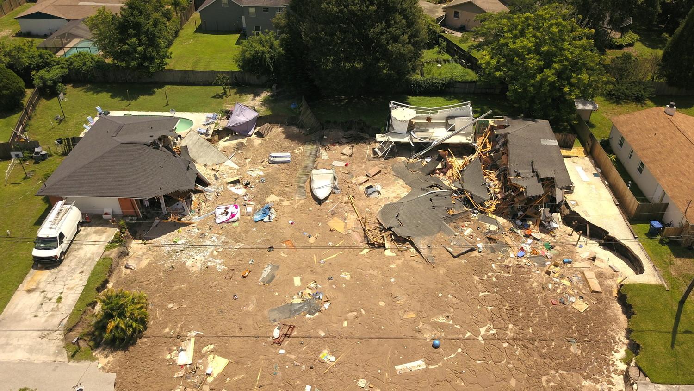 Жители Флориды опасаются за свои дома, которые в любую минуту могут провалиться под землю