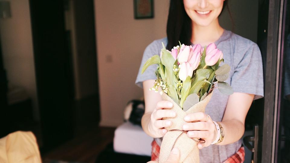 Как заказать цветы с доставкой правильно