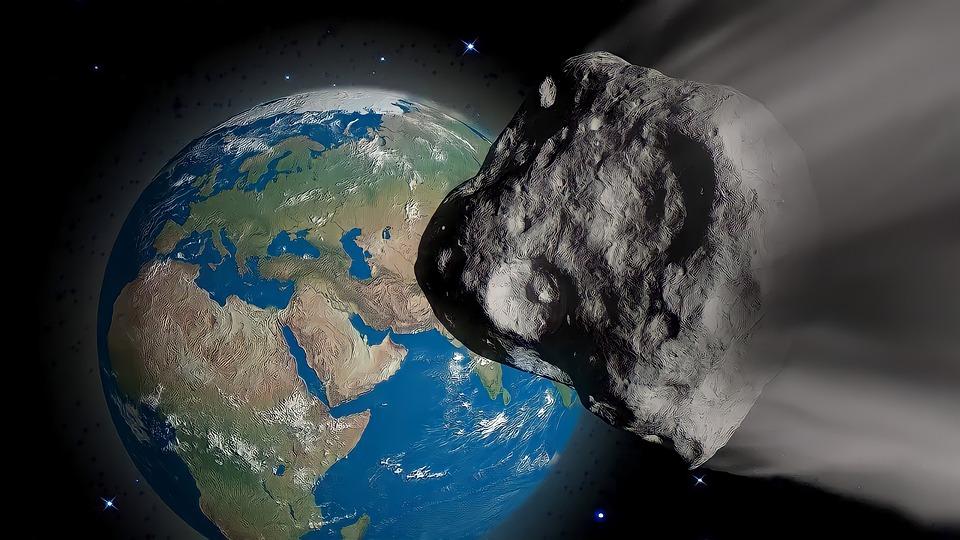 Астрономы предупредили о приближении к Земле 700-метрового астероида