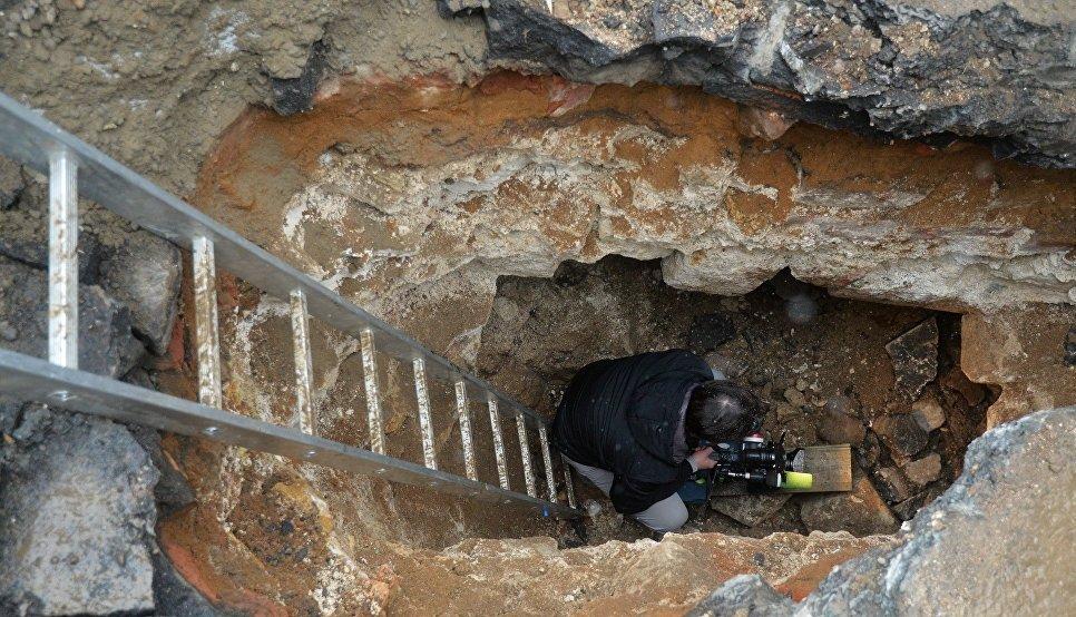 Пять тайных комнат нашли археологи в Китайгородской стене Москвы