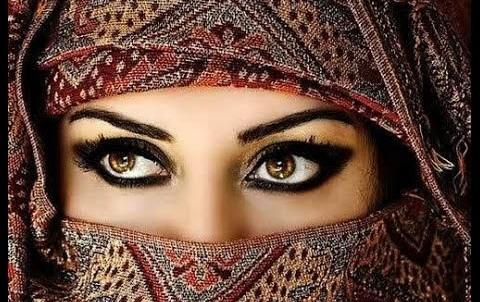 """В Саудовской Аравии муж развелся с женой после первой брачной ночи, назвав девушку """"слишком смелой"""""""