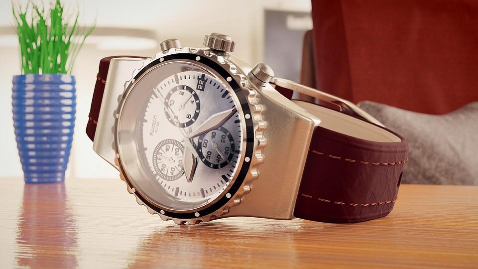 7 причин, по которым мужчины выбирают большие наручные часы