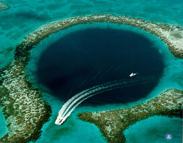 Большая голубая дыра в Белизе (Great Blue Hole)