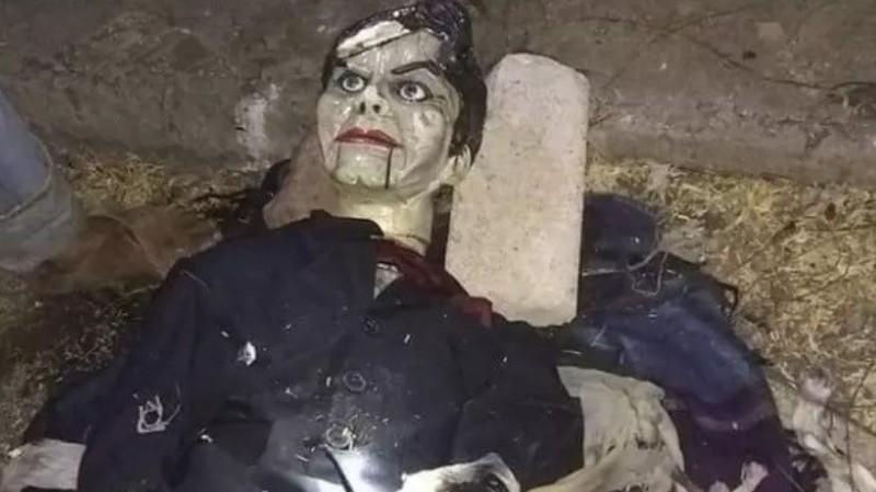 В мексиканской реке обнаружили «проклятую» куклу
