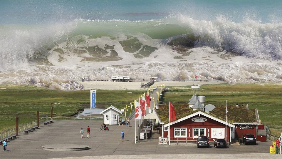 На Великобританию обрушилось гигантское цунами