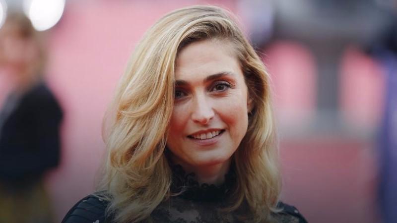 Известная французская актриса бросила президента Франции