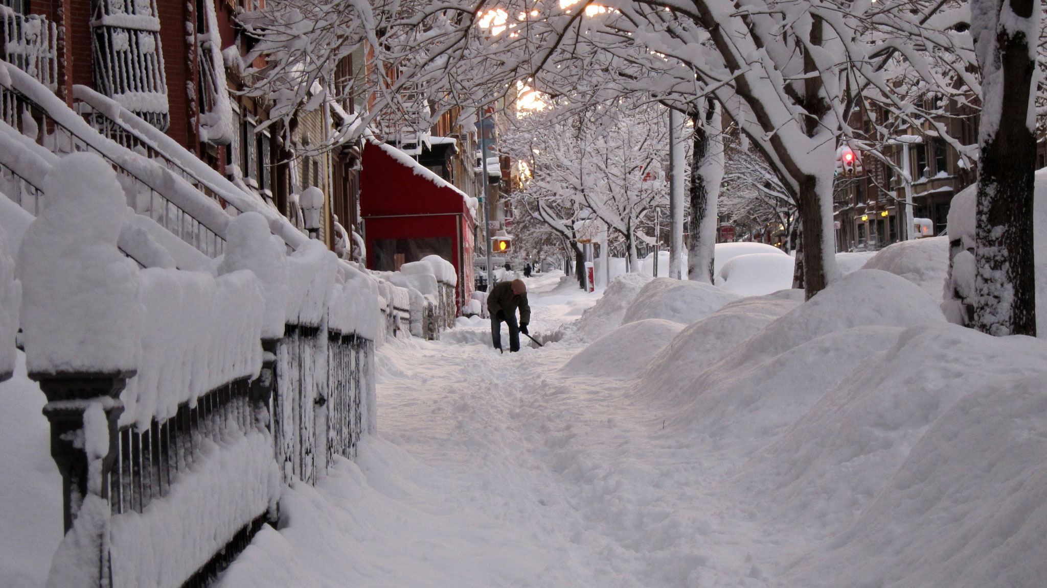 На севере Японии выпало два метра снега