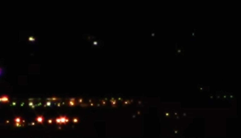 Парад НЛО над ночным Лас-Вегасом заснял Стивен Барон