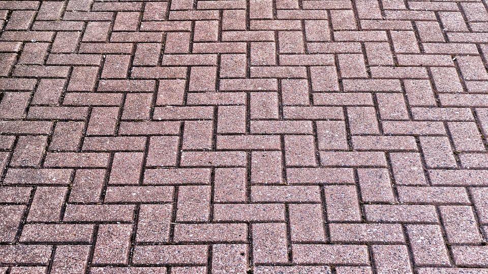 Тротуарная плитка: основные преимущества и характеристики