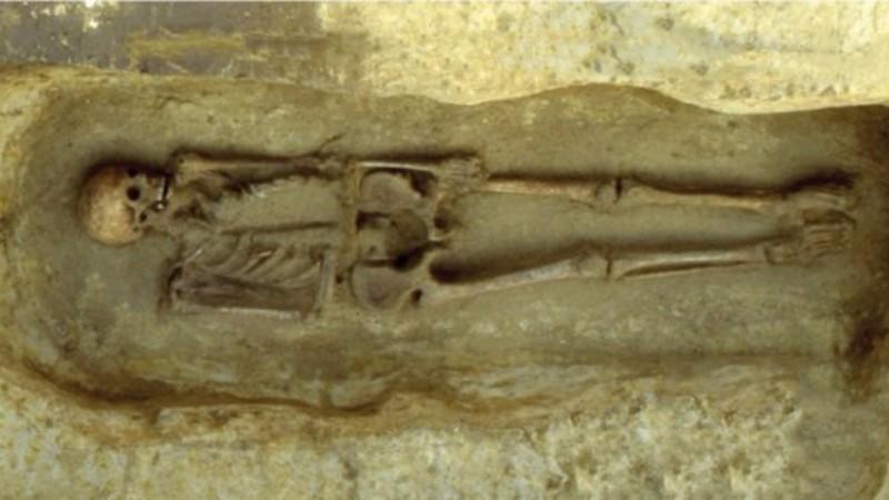 В Италии найден скелет мужчины с ножом вместо руки