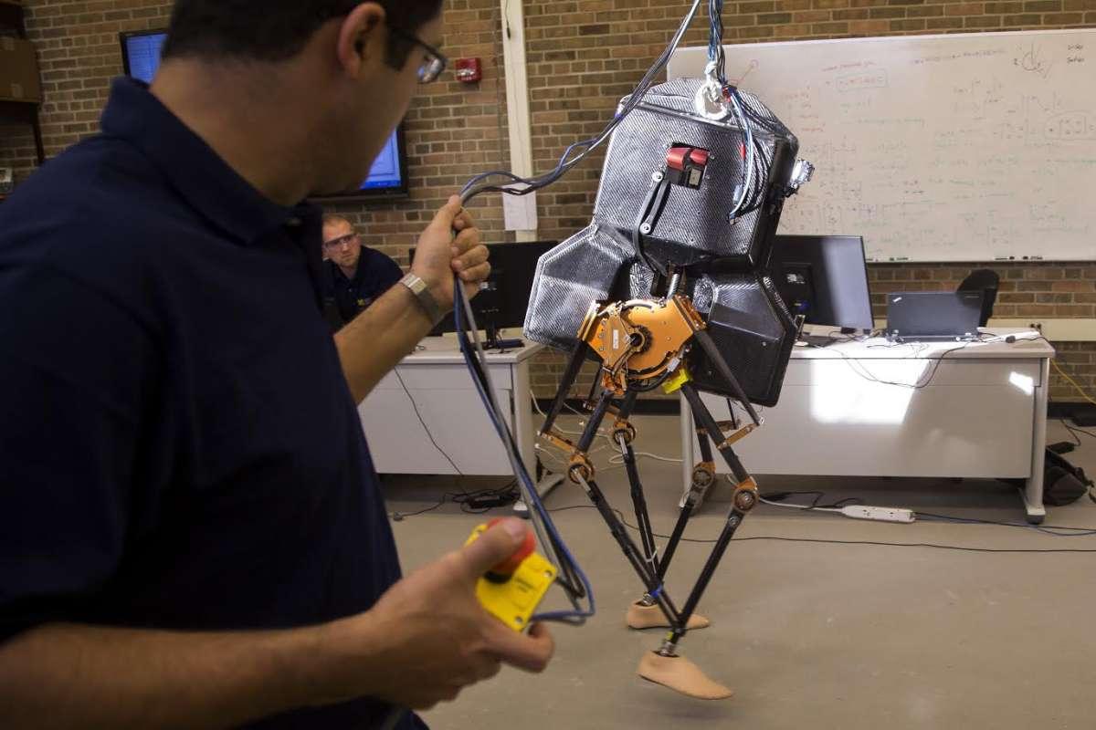 Прорыв в роботизации? Двуногий робот MARLO может самостоятельно ходить