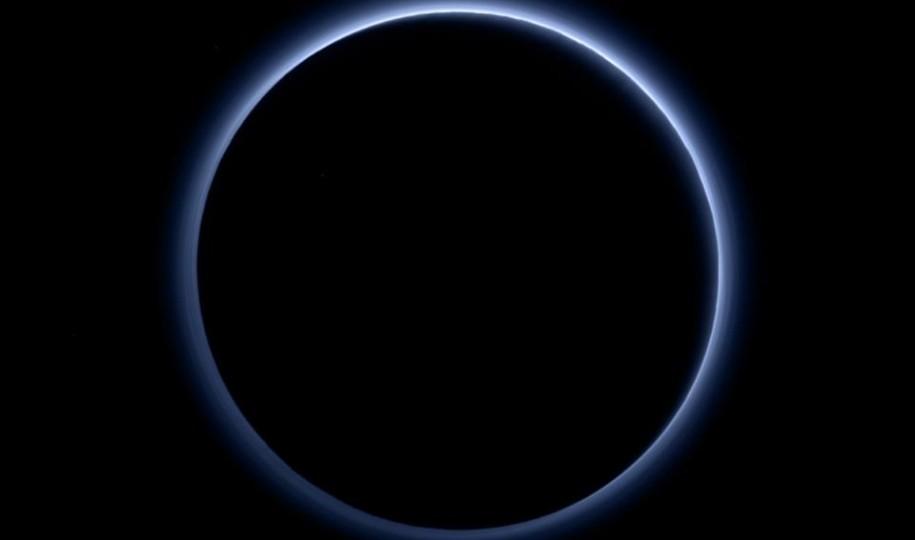 На снимках Плутона появилась 200-километровая дымка вокруг планеты