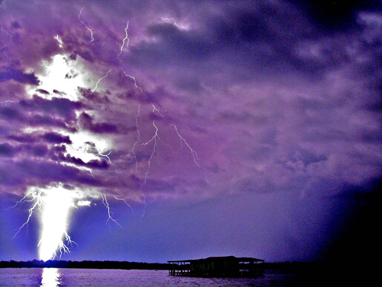 Фантастические молнии в Венесуэле устрашают туристов