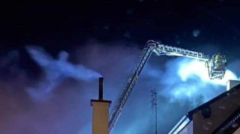 На фотографии, сделанной во время пожара, увидели силуэт ангела