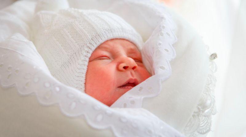 В чем лучше забирать ребенка из роддома зимой: чек-лист для мам