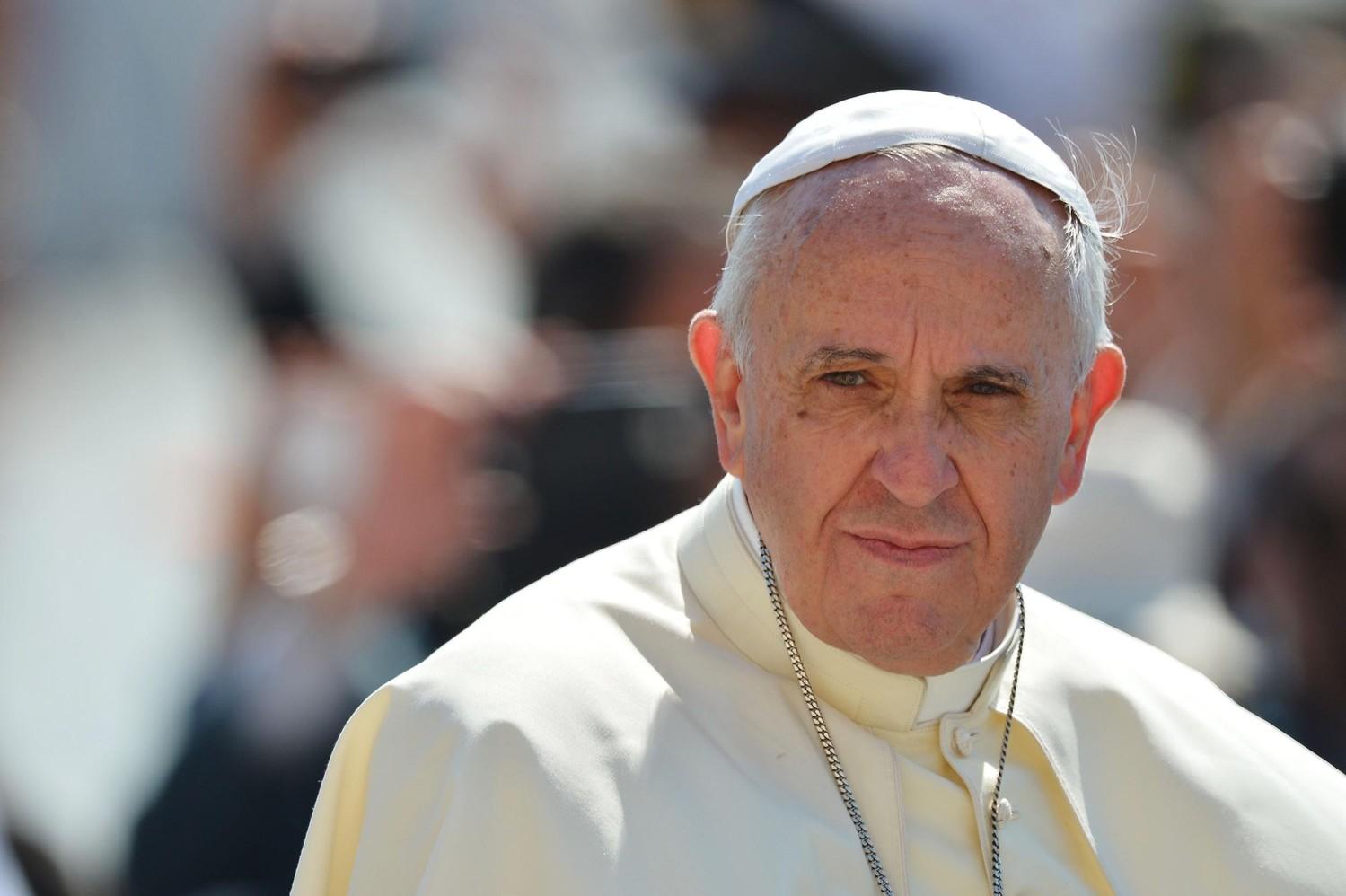 После громких слов Папы Рымского о несуществовании Ада в базилике Святого Петра посыпалась штукатурка