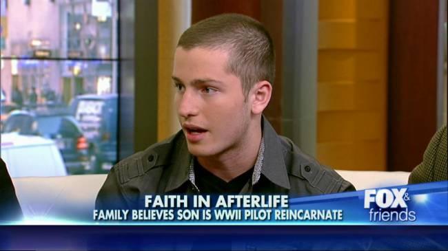 Мальчик вспомнил, что в прошлой жизни был военным летчиком…