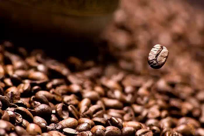Японец выпил более 40 чашек кофе и остался жив