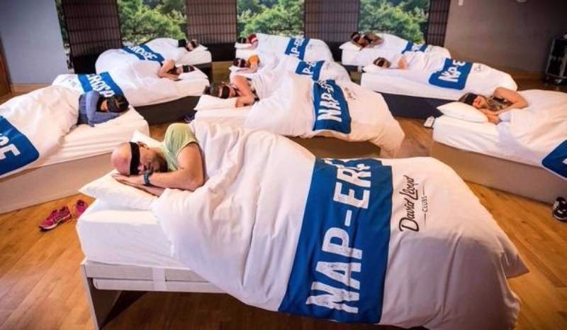 В Великобритании появились тренажёрные залы для тех, кто хочет поспать