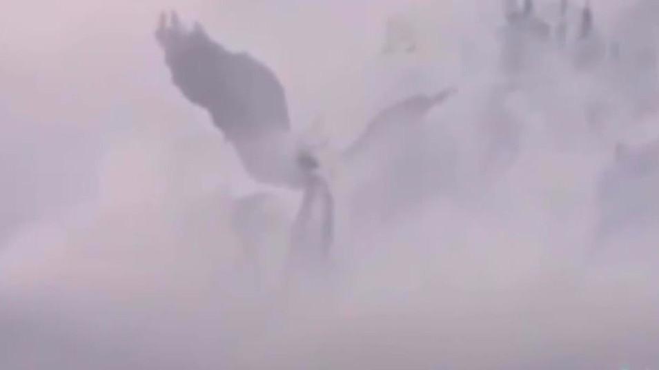 В небе над Китаем появились врата в рай: у входа стояли ангелы