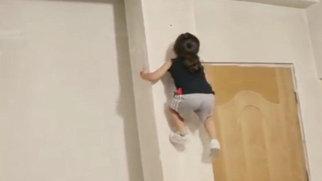 В Иране подрастает трехлетний человек-паук