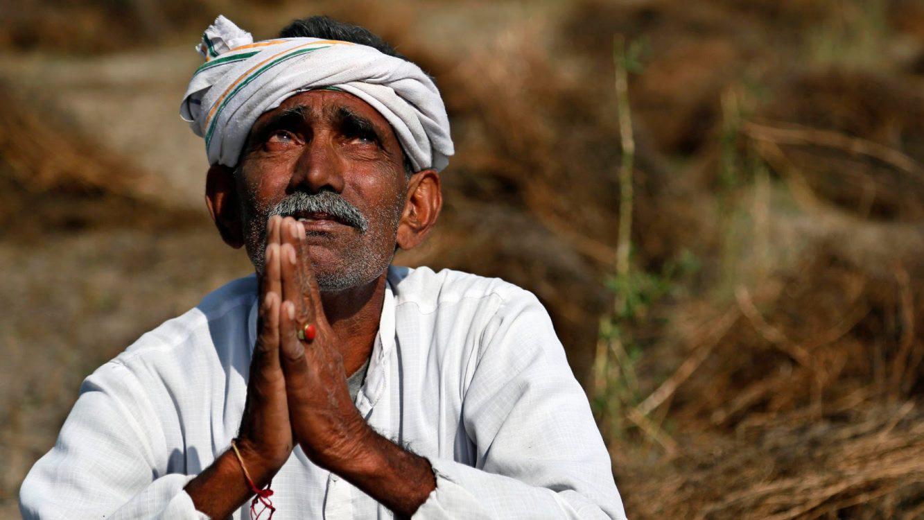 «Божье чудо» в Индии: на свет появился двухголовый теленок
