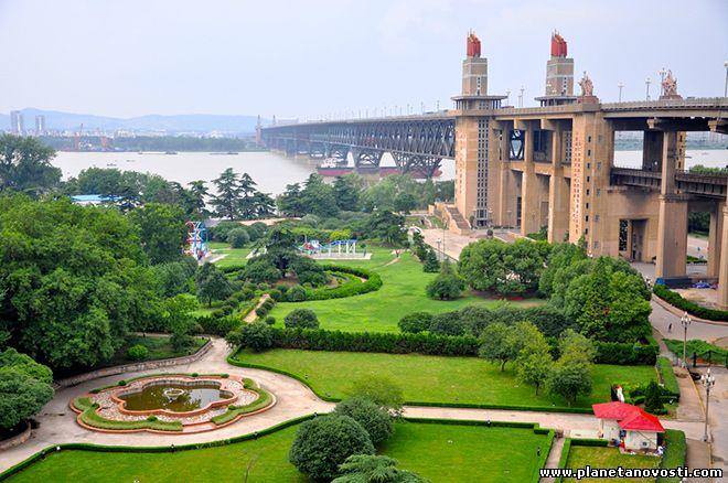 В Китае произошло загрязнение реки Янцзы