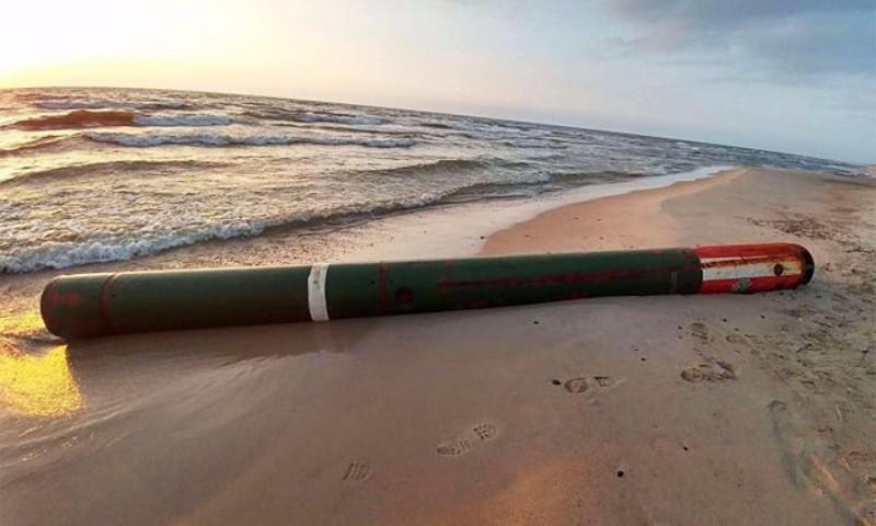 Волны Балтийского моря выбросили на литовское побережье российскую торпеду