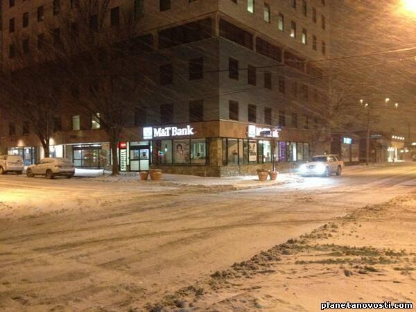 Северо-Восток США завалило снегом