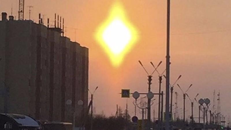 Над Новым Уренгоем взошло ромбовидное солнце