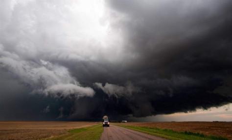 Рекордный в мировой истории торнадо пронесся по Манитобе, Канада