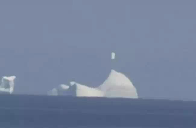 Над айсбергом в Канаде засняли НЛО