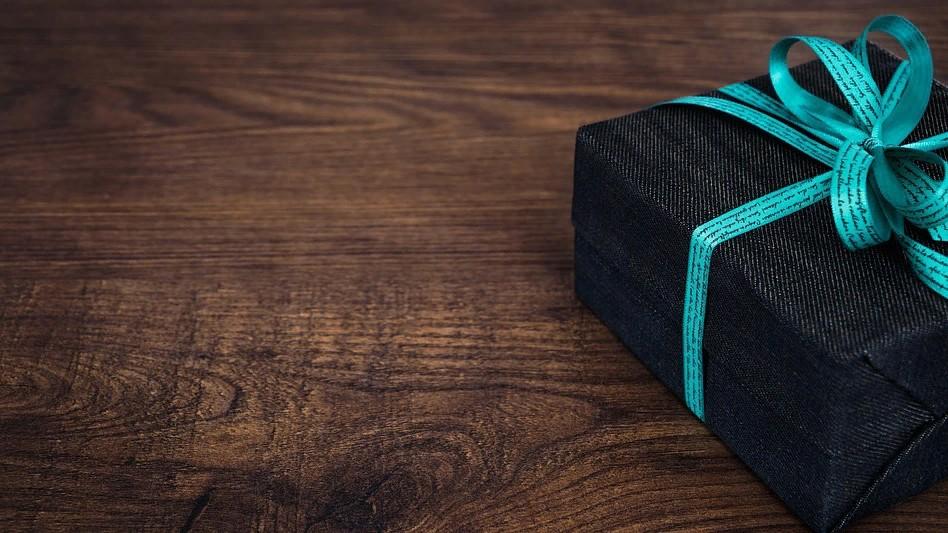 Где купить оригинальные корпоративные подарки ручной работы?