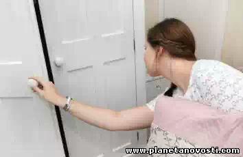 Женщина страдает редкой фобией боязни шкафов
