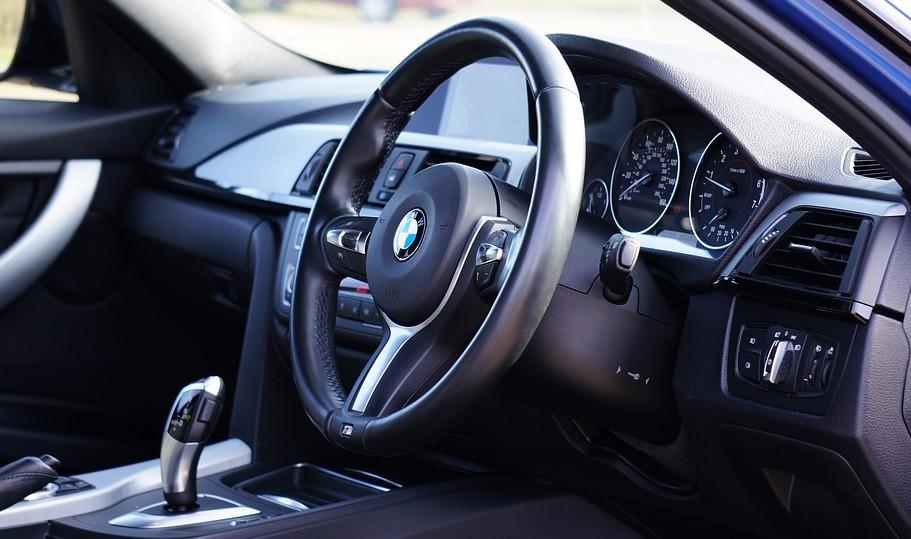 BMW 5 серии — автомобиль-легенда
