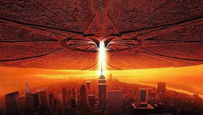 Война с пришельцами неминуема: на морском дне уже лежит сбитый НЛО