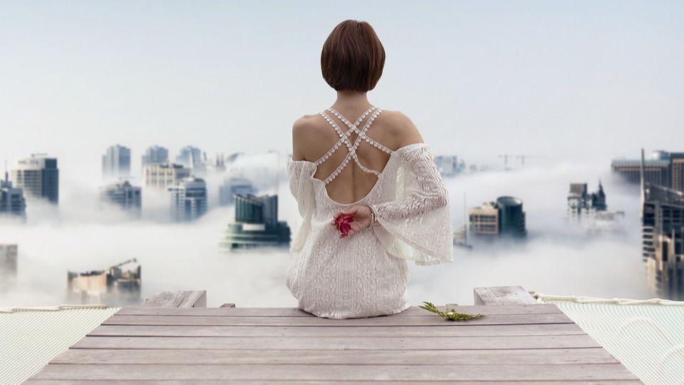 Белое платье: с чем носить, когда и куда