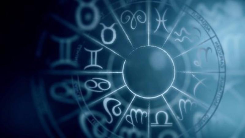 Рак найдет вторую половинку, а Козерог начнет хорошо зарабатывать: гороскоп на 2019 год для всех знаков зодиака