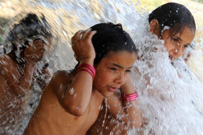 Из-за жары в индийском штате Уттар-Прадеш отменены занятия в школах