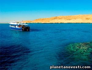 В Красном море перевернулось судно с русскими туристами