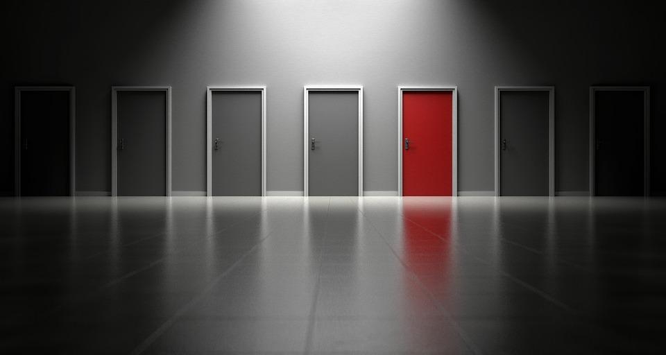 Особенности ухода за царговой дверью