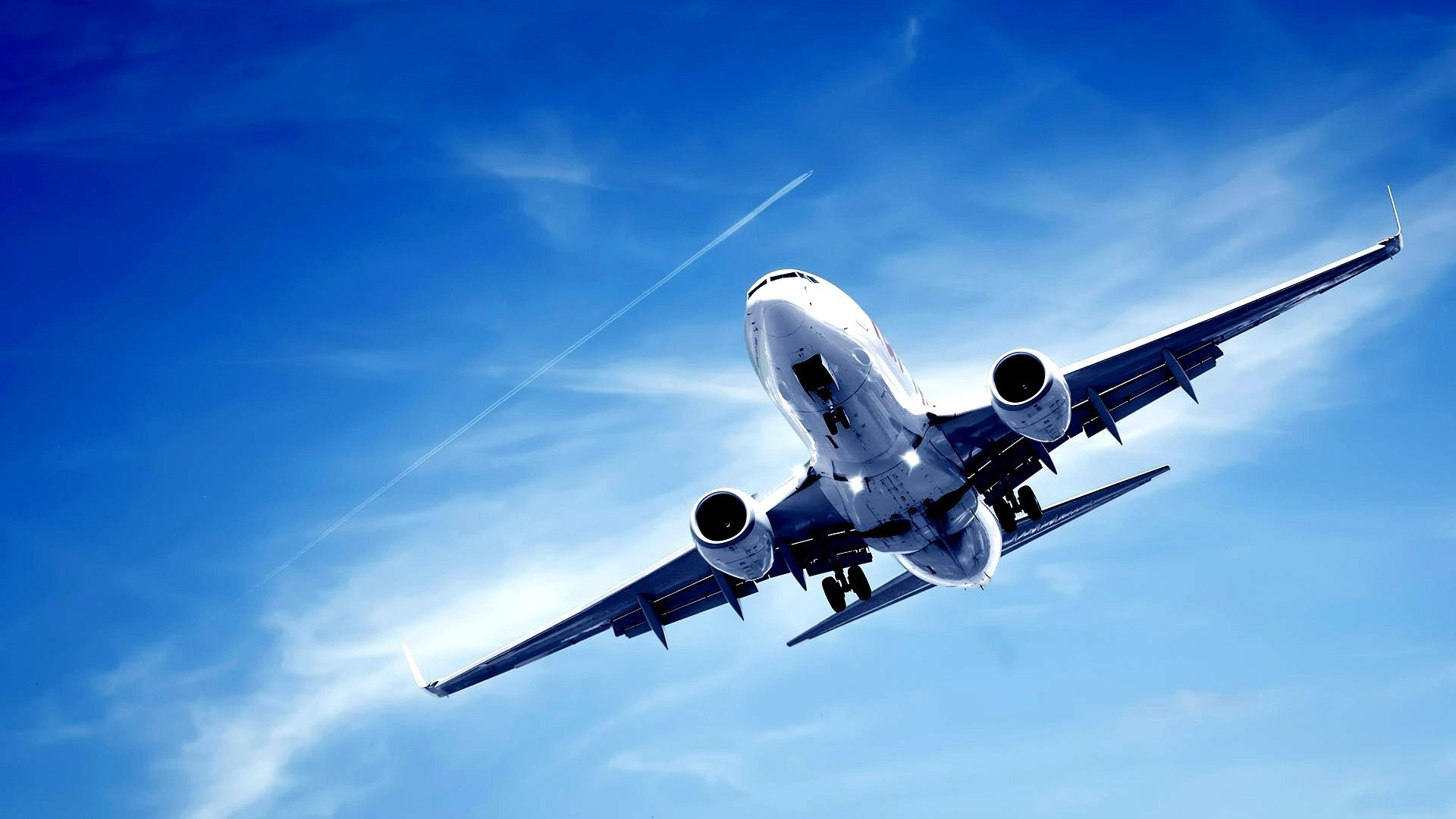 На борту самолета Маврикий–Париж обнаружили бомбу
