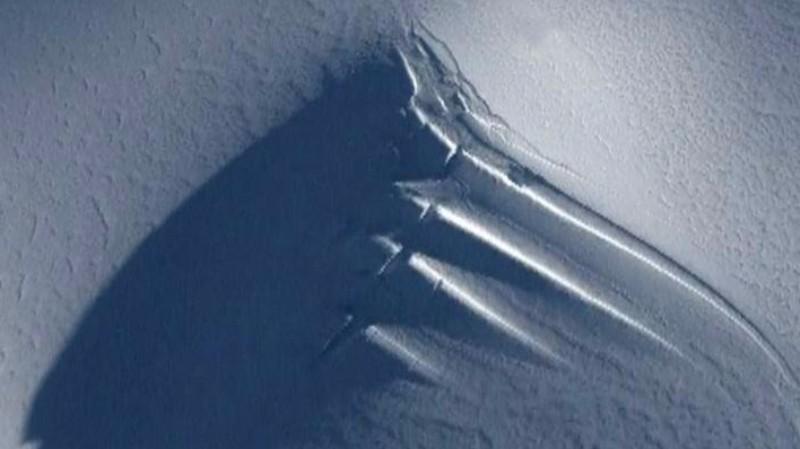 В Антарктиде найдено нечто, похожее на гигантскую антенну