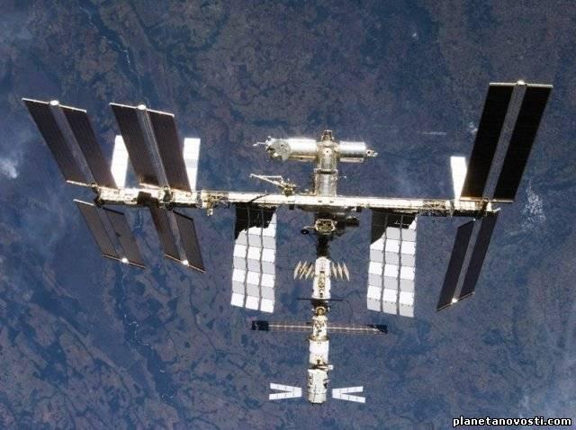 Астронавты выращивают овощи на МКС